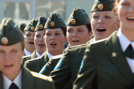 An entire army of women is serving in the Russian armed forces, comprising more than 35,000 women. Source: Sergei Pyatakov / RIA Novosti
