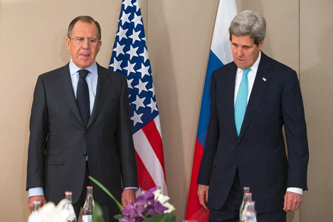 Russian Foreign Minister Sergei Lavrov and the United States' Secretary of State John Kerry stressed the need to comply with the February 12 Minsk accords during their talks in Geneva. Source: AP