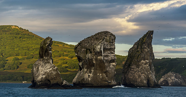 """Tri Brata"" (Three Brothers) – a major landmark in the Avacha bay of Kamchatka. Source: Ivan Dementievskiy"