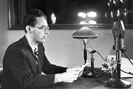 Yury Levitan at work, Moscow, 1941. Source: TASS