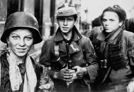 Boy-scout Home Army soldiers during the Warsaw Uprising. Source: wikipedia.org