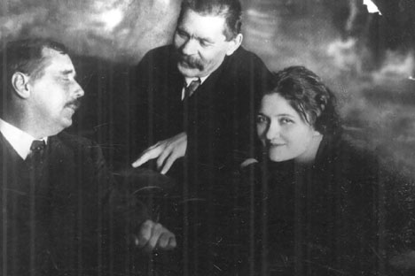 Pictured L-R: H.G. Wells, Maxim Gorky and Moura Budberg. Source: From personal archive