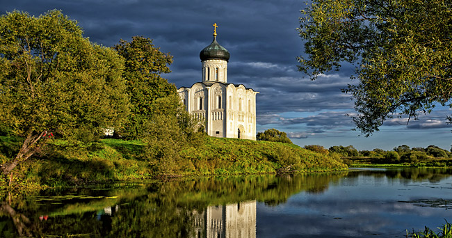 One of Vladimir's most iconic churches - Church of The Intercession on the Nerl River. Source: Lori/Legion-Media