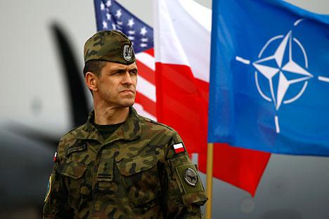 Poljska je že začela sprejemati vojake in tehniko ameriške tankovske brigade. Gre za okoli 3500 vojakov, 87 tankov, 18 samohodnih havbic Paladin, 144 bojnih vozil pehote Bradlev in več kot 400 vozil Humwee, prihod ameriških tankov pa je sprožil proteste v Nemčiji.
