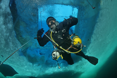 During the expedition divers will test new underwater equipment. Source: Press photo