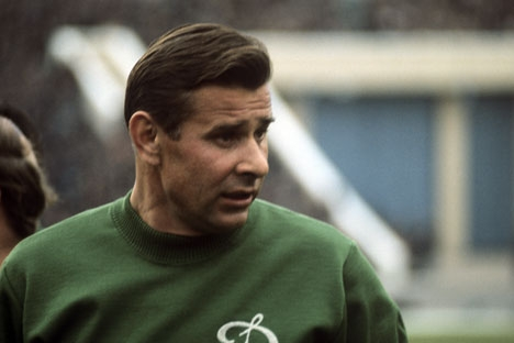 Lev Yashin, USSR Honored Master of Sports, the best Soviet and World goalkeeper, Dinamo football club goalkeeper, May 28, 1971. Source: Yuriy Somov / RIA Novosti