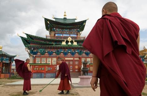 Hanya satu persen populasi Rusia yang mengaku sebagai pemeluk agama Buddha.