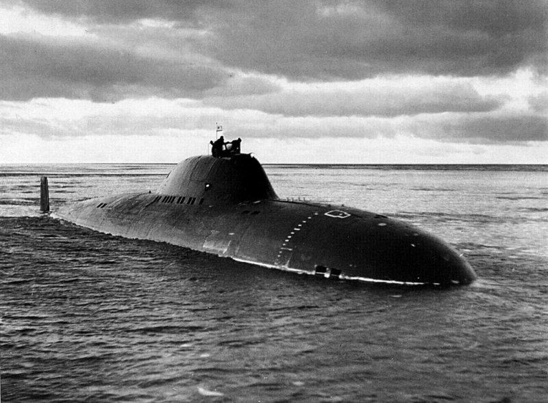 Project 705 submarine undergoing tests in the White Sea, December 1971.