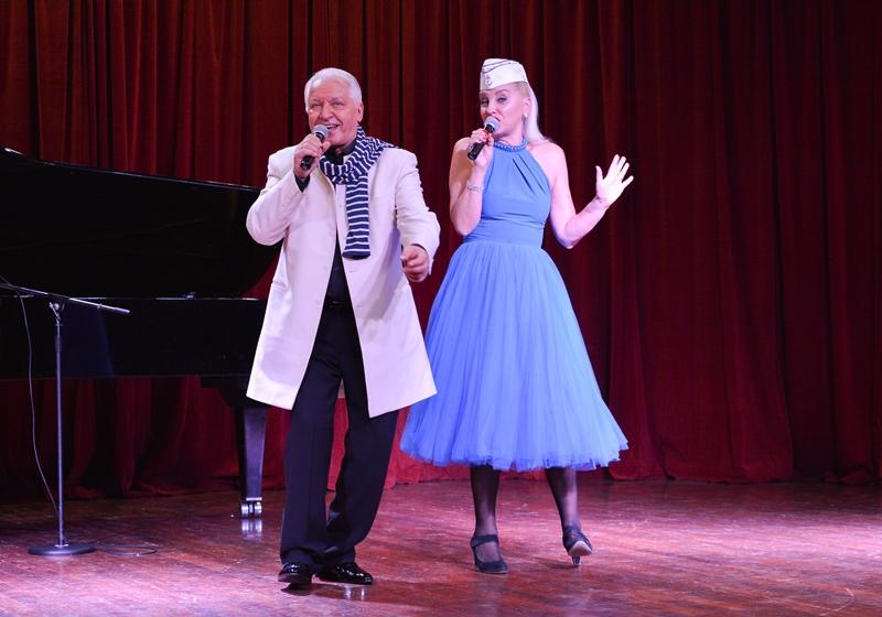Alexander Morozov with his wife-singer Marina Parusnikova.