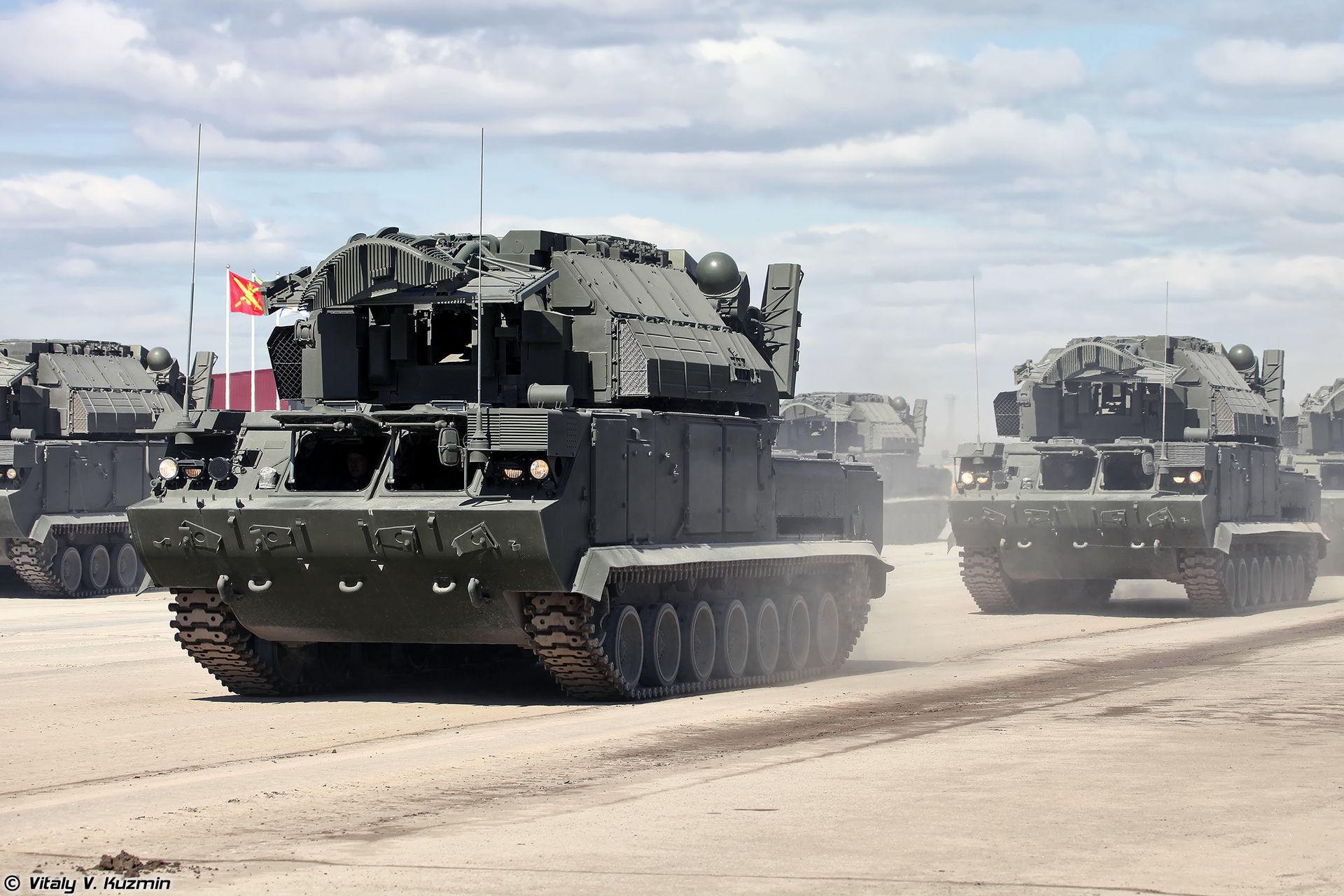 Sistema de mísseis TOR M2U é um dos destaques de estande russo