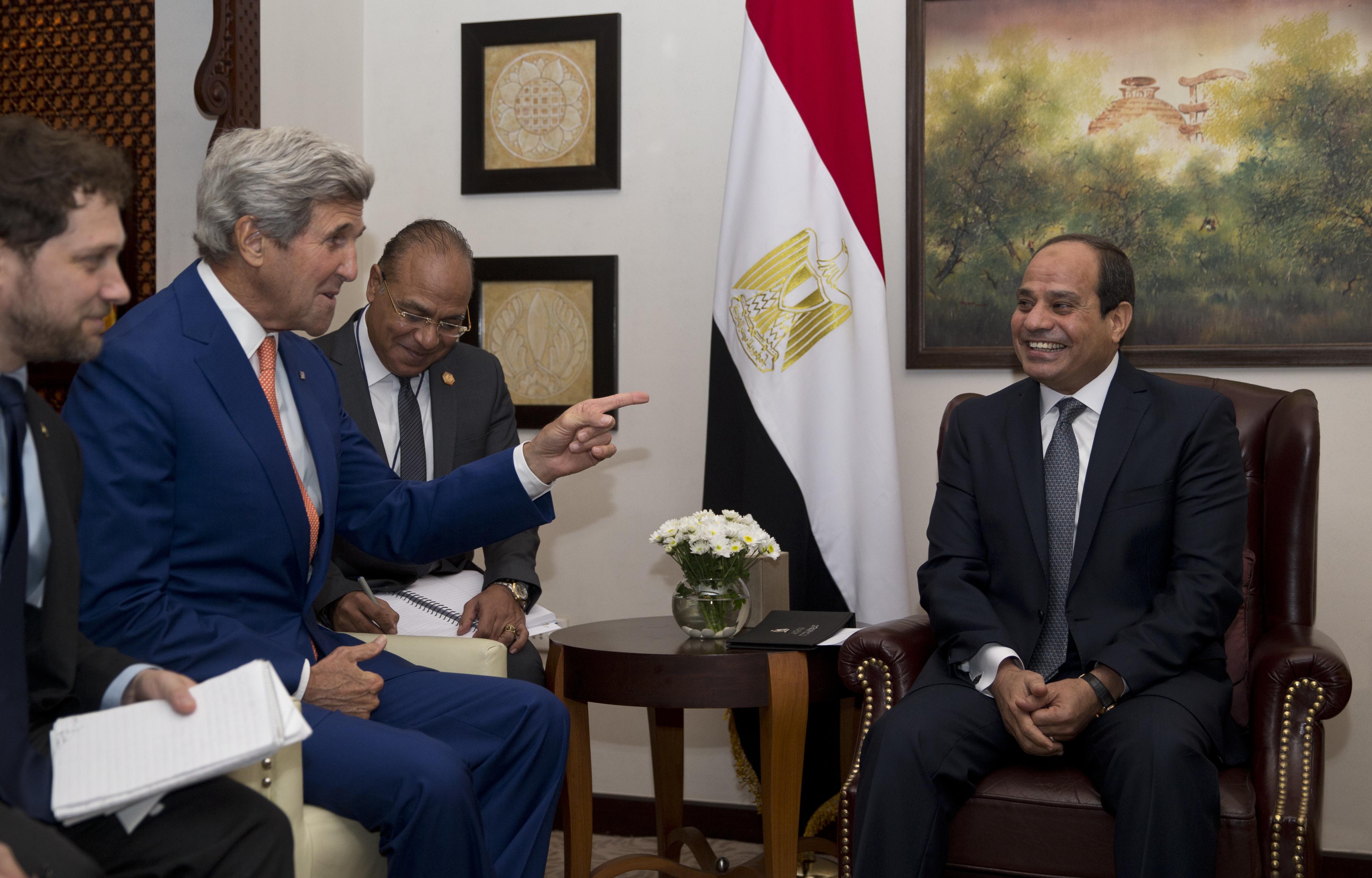 U.S. Secretary of State John Kerry, second left, meets Egyptian President Abdel Fattah El-Sisi, right, in New Delhi, India, Thursday, Sept. 1, 2016.