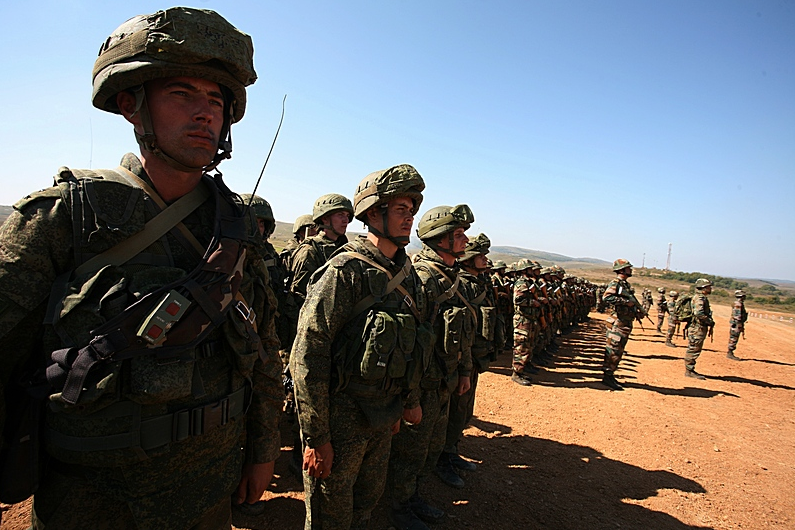 Over 500 servicemen, 50 units of equipment, a group of UAVs, and assault and army aviation took part in the drills.