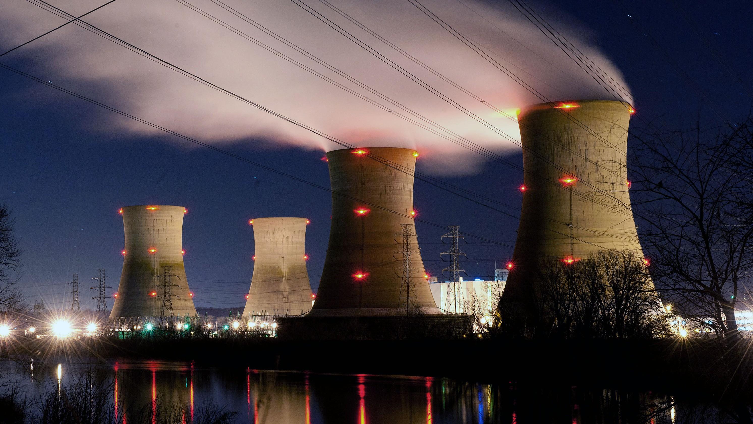 Rosatom berencana untuk berdiskusi dengan pemerintah Jepang mengenai kerja sama penanggulangan kecelakaan nuklir Fukushima serta suplai bahan bakar nuklir ke pabrik Jepang.