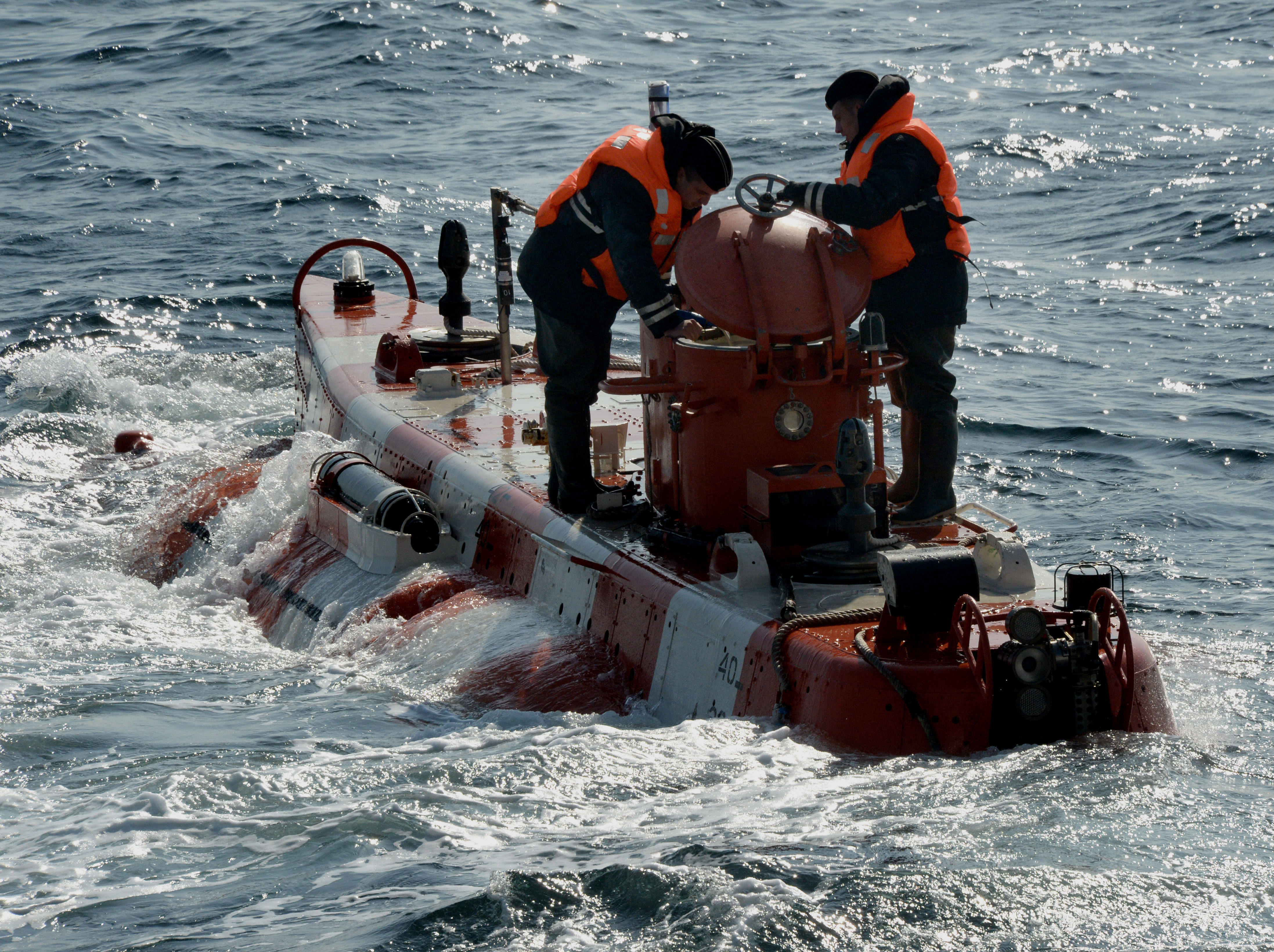 Bester-1 deep submergence vehicle during a submarine crew rescue drill by the sea rescue service of the Pacific Fleet in the Peter the Great Gulf.