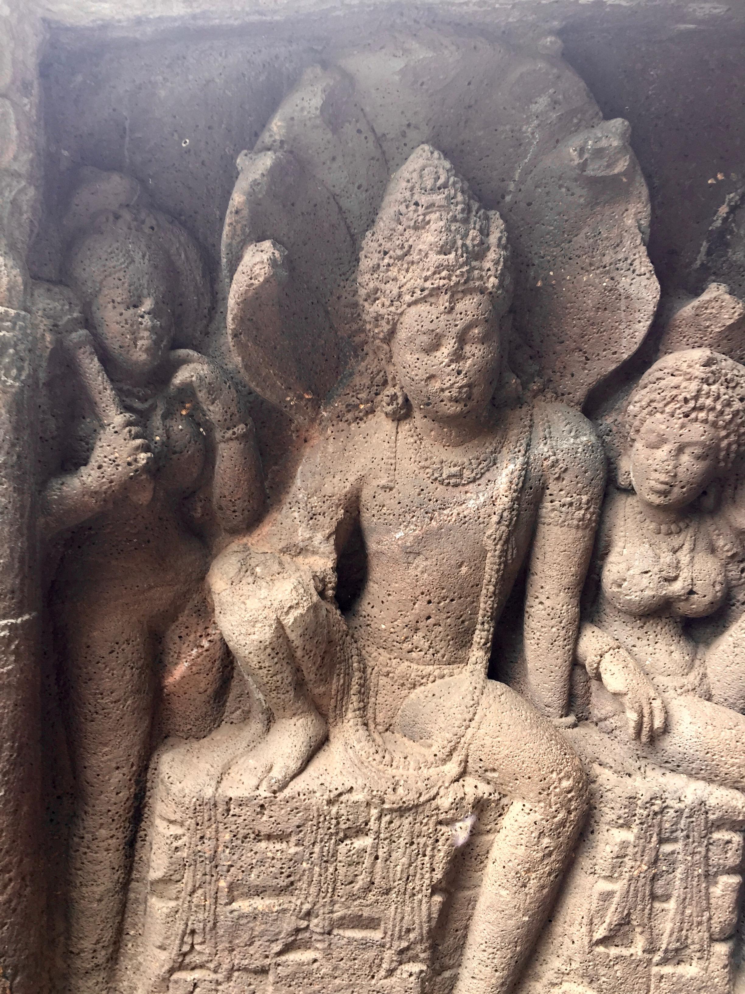 Ídolo de Indra en las cuevas de Ajanta en Maharashtra (India). Según los antiguos textos indios Indra era un consumidor de soma.
