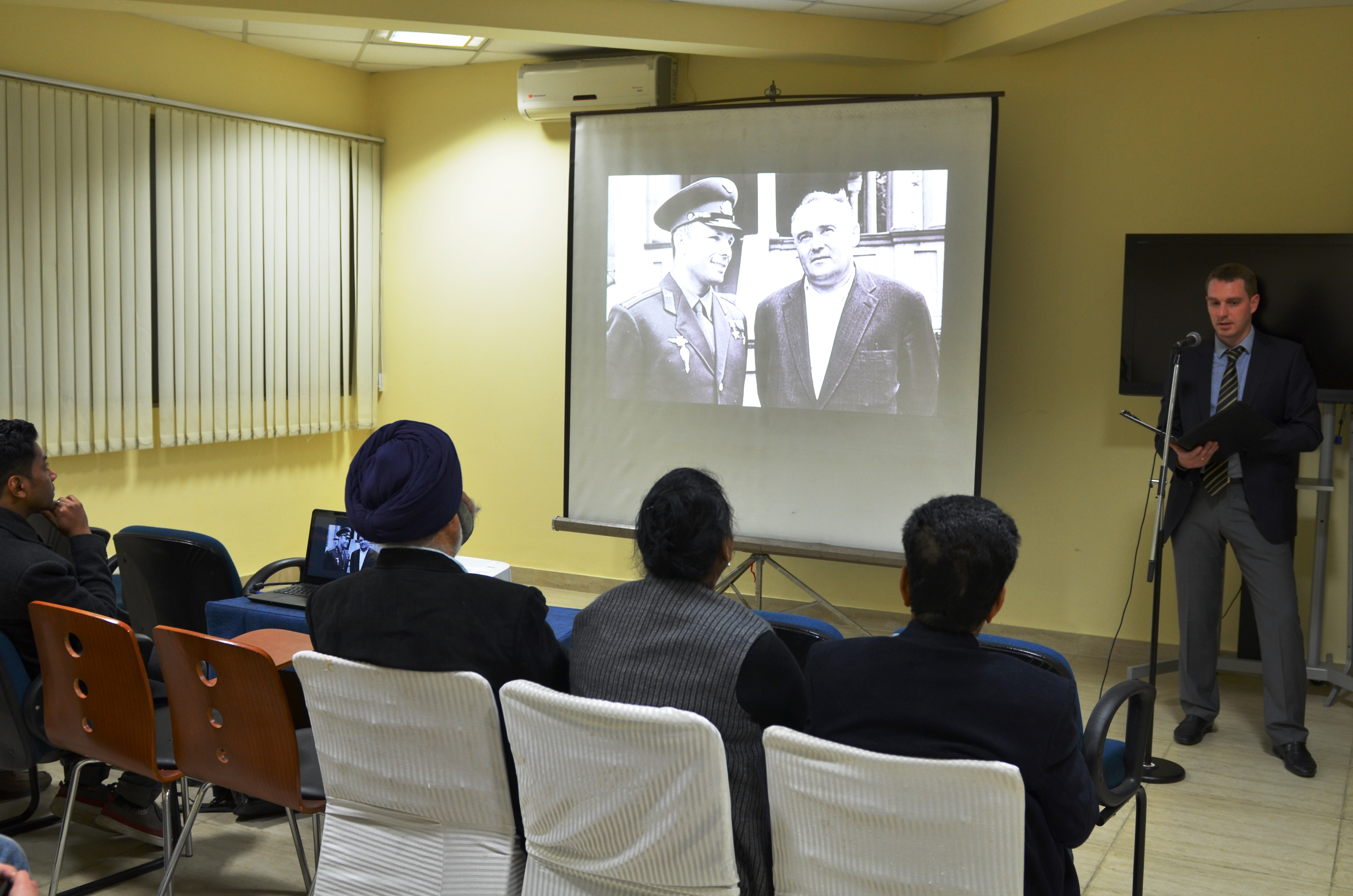 Two documentaries about Sergei Korolev were shown at the RCSC in New Delhi.