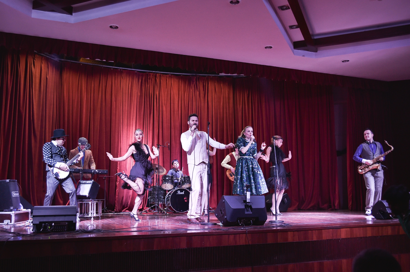The audience were treated to several Russian, Hindi, English and Italian songs.