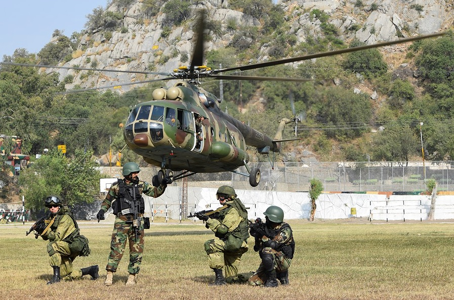 Russian and Pakistani servicemen during Friendship-2016 joint military drills.