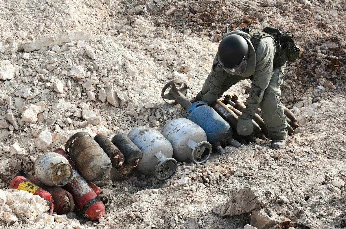 O armamento descoberto em armazéns variava de granadas de mão a mísseis para lançamentos múltiplos.
