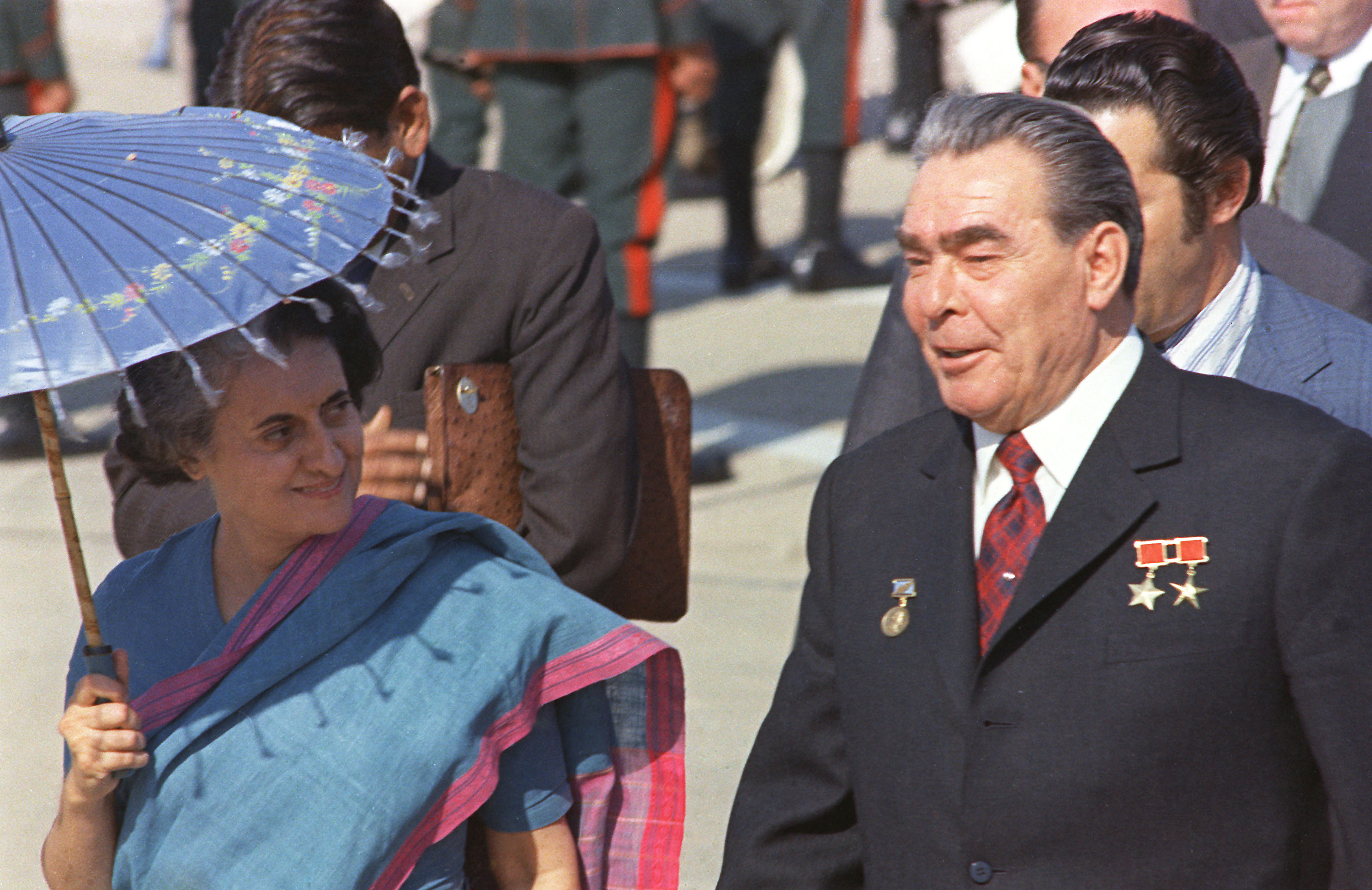 Indira Gandhi with Leonid Brezhnev in 1982.