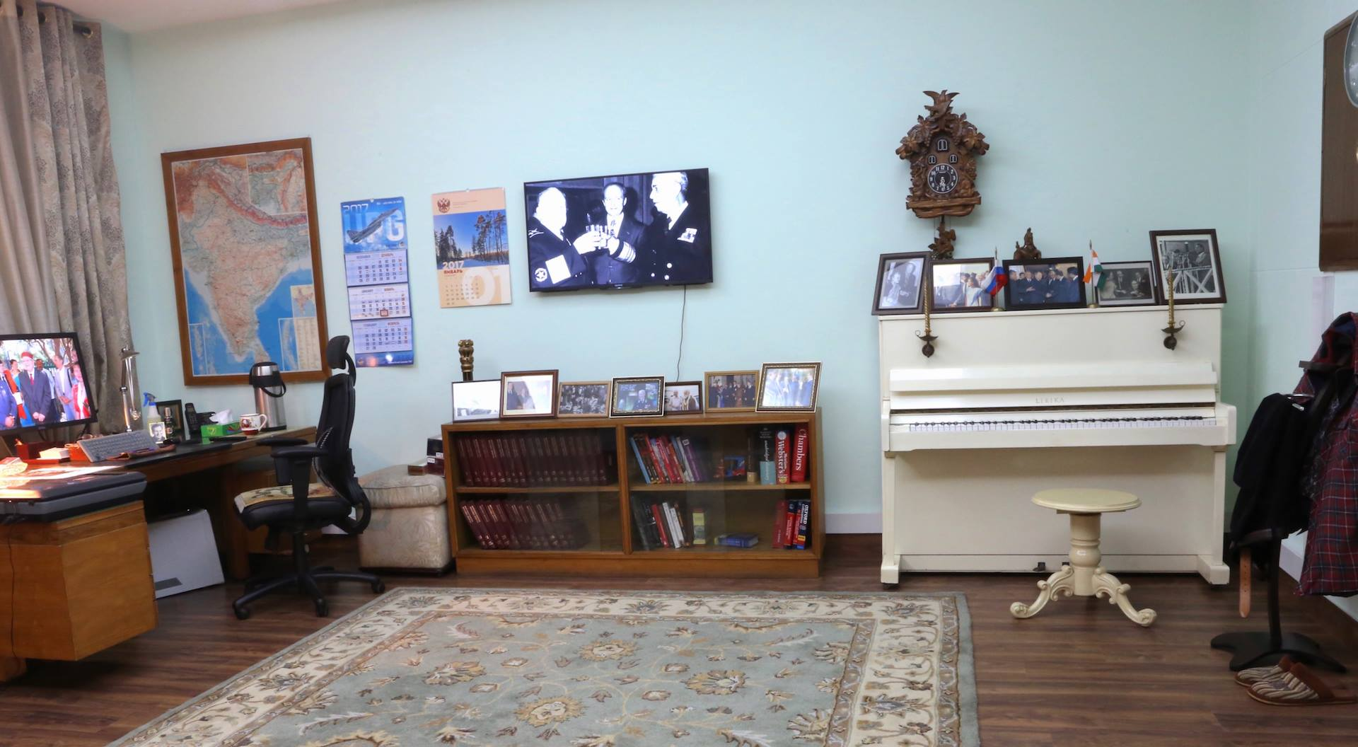 The museum recreates Alexander Kadakin's office and living room.