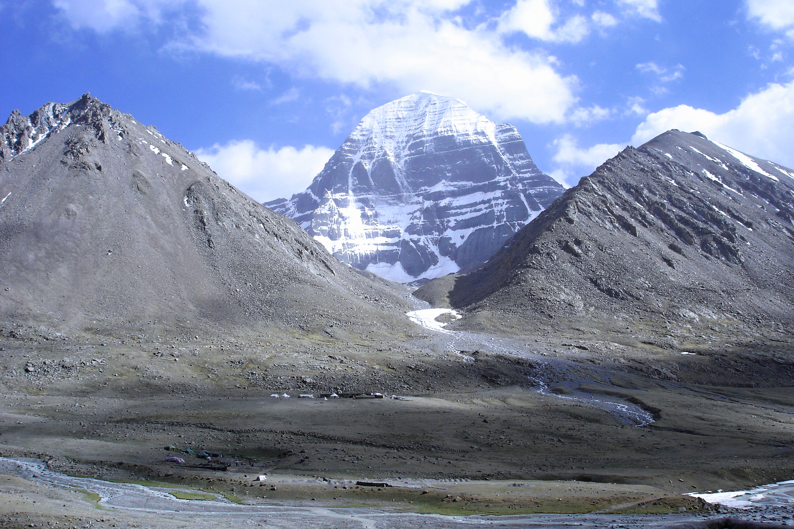Mount Kailash is sacred for Hindus, Buddhists and Jains. Source: Ondřej Žváček/wikipedia