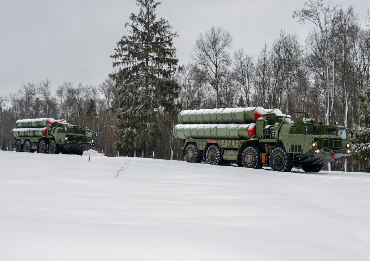 A fifth air defence regiment equipped with the S-400 Triumf missile system was deployed in the Moscow Region in the late February.