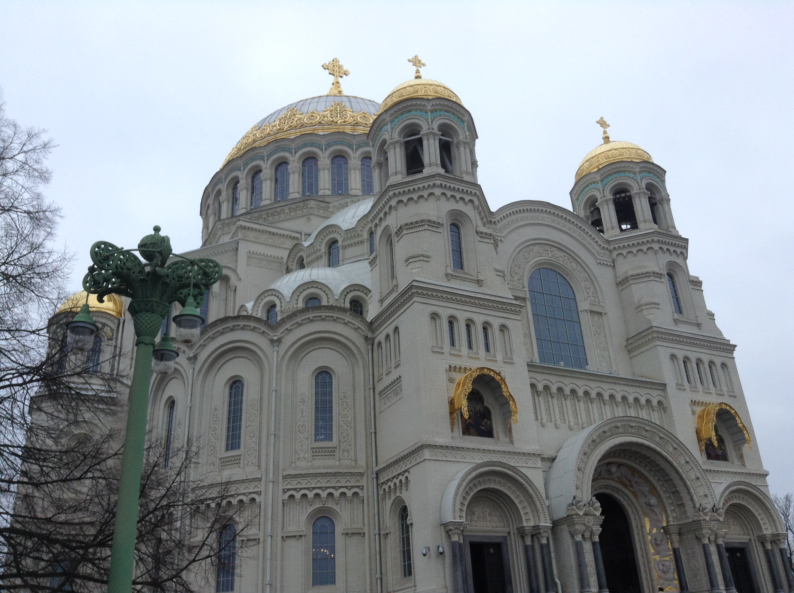 The Naval cathedral of Saint Nicholas in Kronstadt. Source: Ajay Kamalakaran