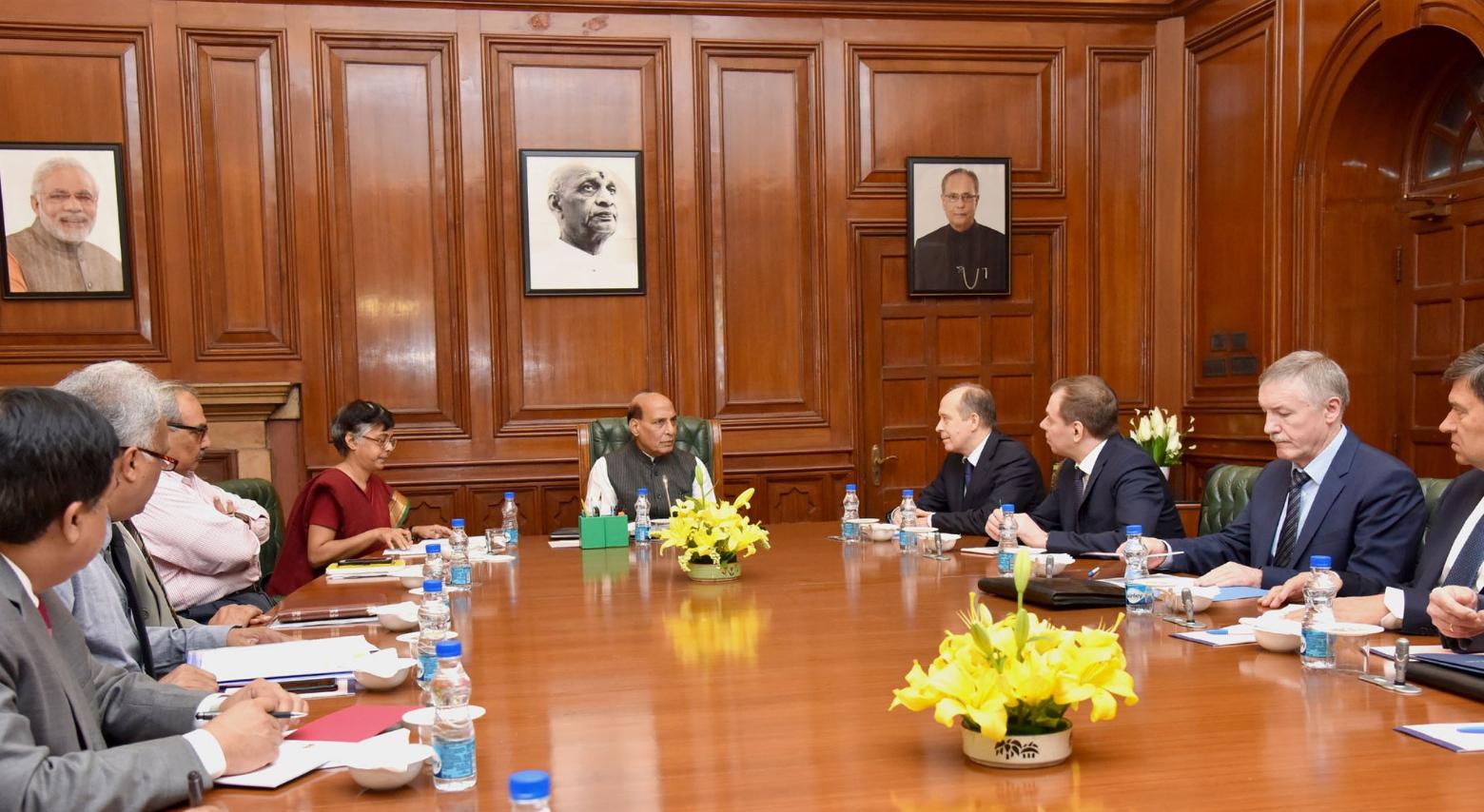 Talks between Rajnath Singh and the FSB leadership. Source: twitter@MIB_India