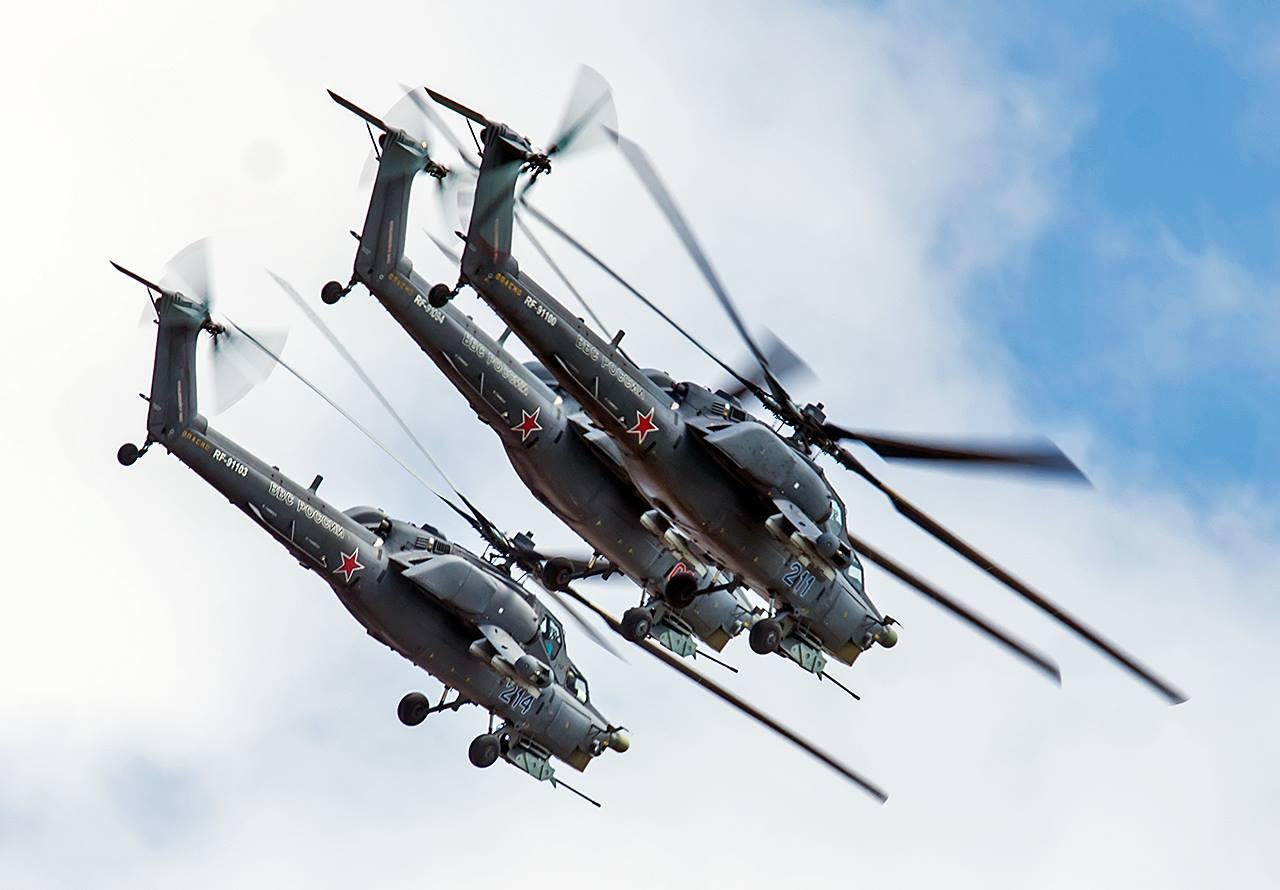 Tim aerobatik Berkutsk didirikan pada 1992 di Pusat Pelatihan Tempur dan Pelatihan Pilot Penerbangan Angkatan Darat ke-344 di kota Torzhok, wilayah Tver.