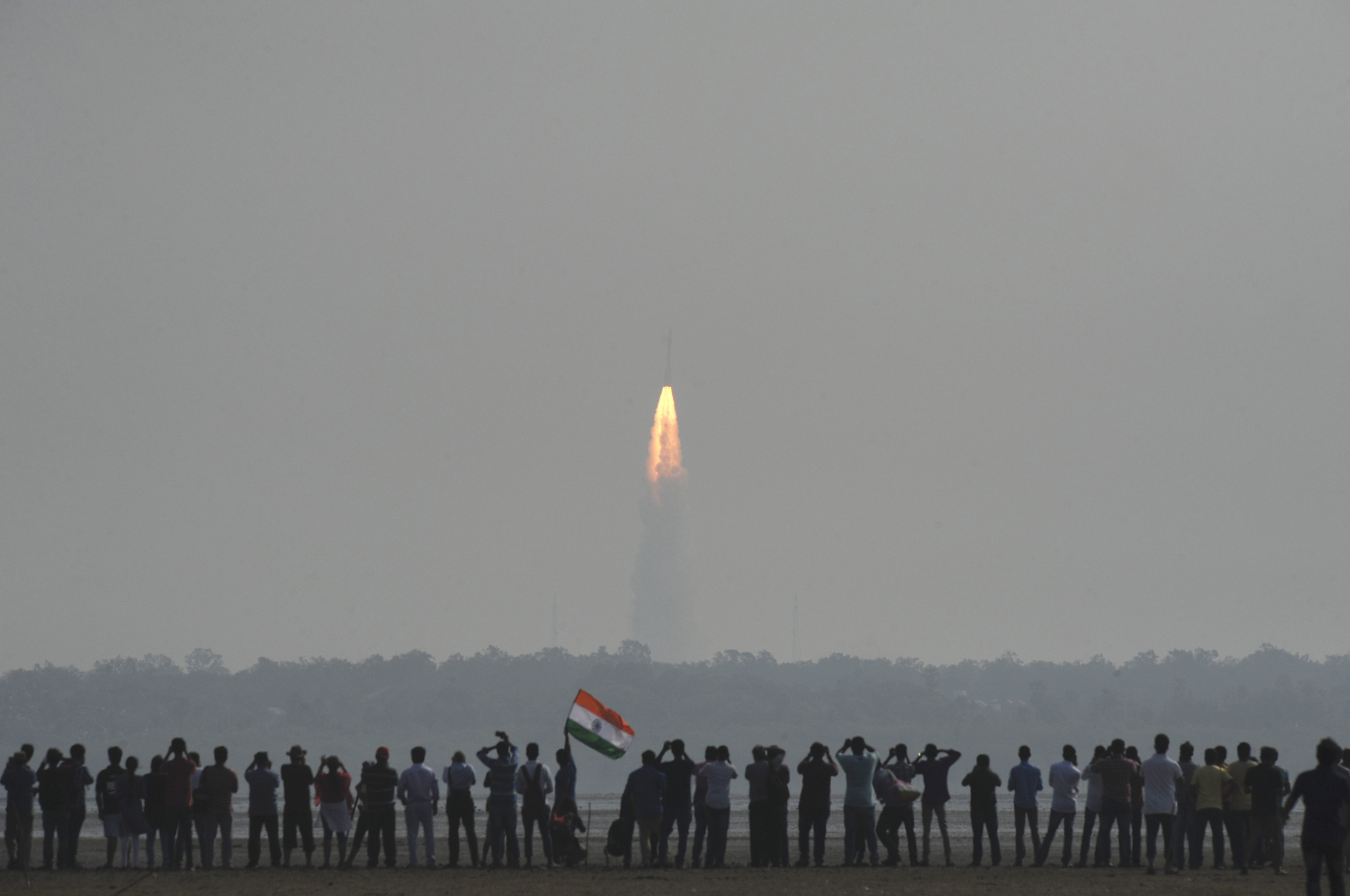 Launch of PSLV-C37 carrying 104 satellites near the spaceport of Sriharikota, Andhra Pradesh. Source: Zuma/Global Look Press