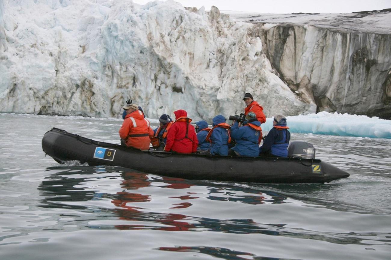 Arktik memiliki kekayaan alam yang sangat besar.