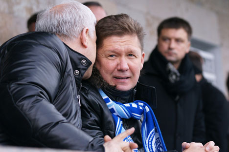 Il presidente di Gazprom, Aleksei Miller, allo stadio con la sciarpa dello Zenit San Pietroburgo (Foto: Photoxpress)