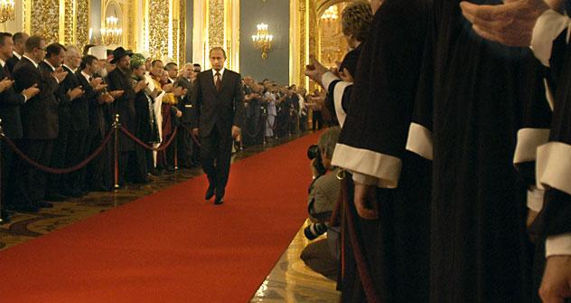 Vladimir Putin alla ceremonia presidenziale del 2004 (Foto: Itar-Tass)