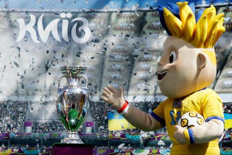 La mascotte di Euro 2012 (Foto: AP)