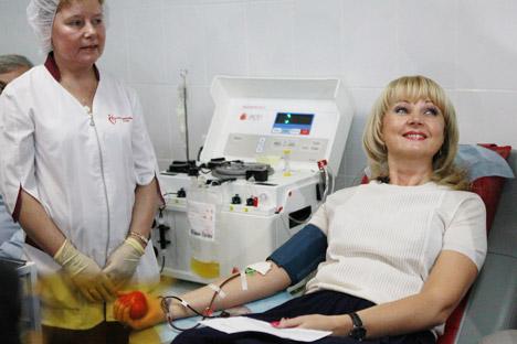 Tatiana Golikova, ex ministro russo della Sanità, in occasione della Giornata mondiale dei Donatori nel 2011 (Foto: Andrei Strenin/ Ria Novosti)