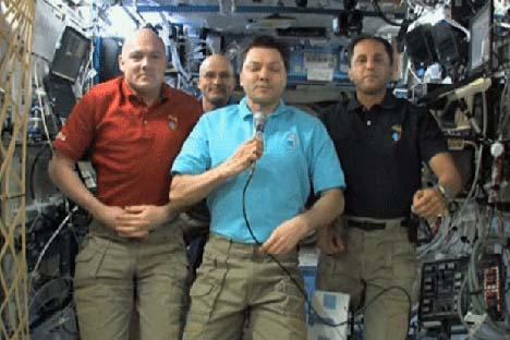 Un fermo immagine del video di saluto dalla Stazione Spaziale Internazionale ai partecipanti di Rio +20 (Fonte libera)
