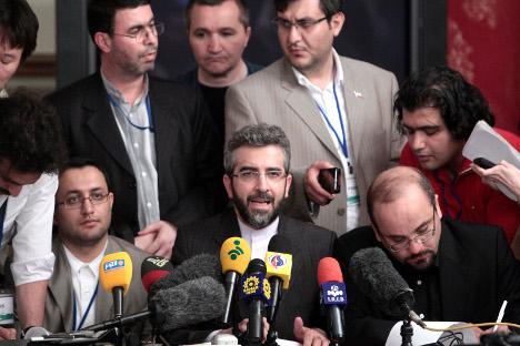 La conferenza stampa del capo negoziatore iraniano Saeed Jalili (Foto: AFP)