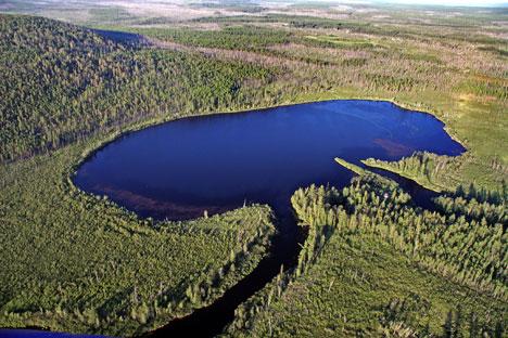 Il lago Cheko (Fonte: Kommersant.ru)