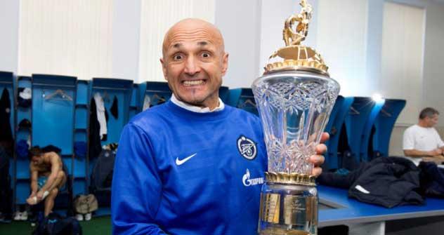 Luciano Spalletti con il secondo titolo conquistato allo Zenit (Fonte: fc-zenit.ru)