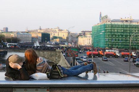 Dall'arrivo della primavera, Mosca ha accolto numerosi turisti politici (Foto: Kommersant)