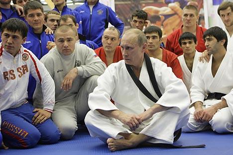 Il Presidente russo Vladimir Putin in veste di judoka durante la sua visita alle Olimpiadi di Londra (Foto: Reuters / Vostock-Photo)