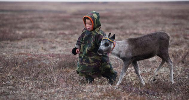 Si può andare nel distretto di Yamalo-Nenetsk per conoscere le tradizioni delle tribù indigene, per pescare, per fare alpinismo e sciare (Foto: Alamy/ Legion Media)