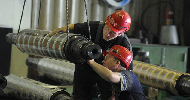 La Russia è tra i leader mondiali nella produzione di alluminio, che viene lavorato in buona parte nello stabilimento di Sayanal e poi esportato (Foto: Kommersant Photo)