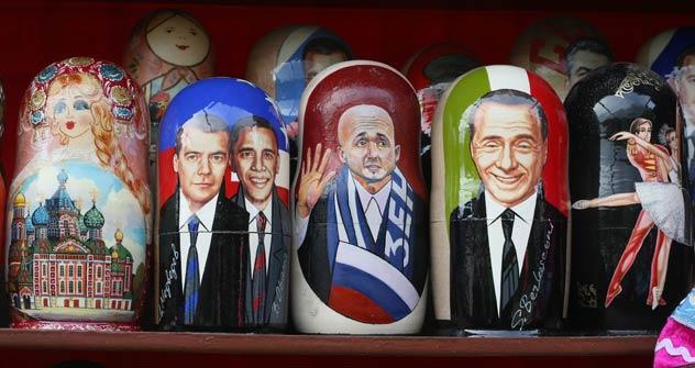 Anche mister Luciano Spalletti, allenatore dello Zenit San Pietroburgo, è finito tra le matrioshke, insieme a Putin, Medvedev e Obama e Berlusconi (Foto: Itar-Tass)