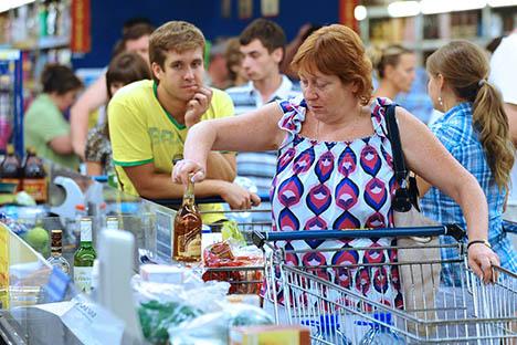 La Federazione si batte per diminuire il commercio di articoli contraffatti, che riguarda soprattutto prodotti alimentari, medicinali e grandi firme (Foto: Itar-Tass)