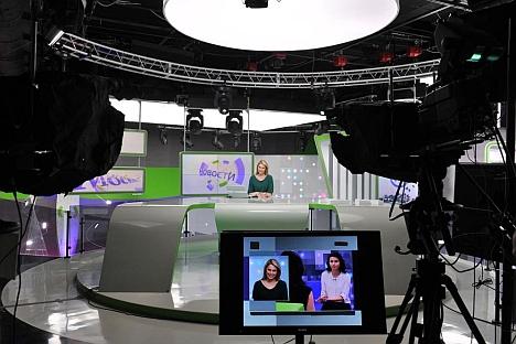 Secondo un recente sondaggio, la maggioranza dei russi intervistati sogna di apparire in tv per condurre un telegiornale. Nella foto, lo studio tv di Moskva24 (Credit: Ria Novosti/Vladimir Pesnya)