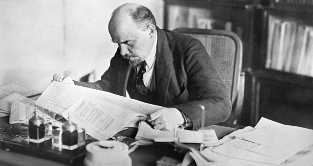 Vladimir Lenin nel suo studio (Foto: Itar-Tass)
