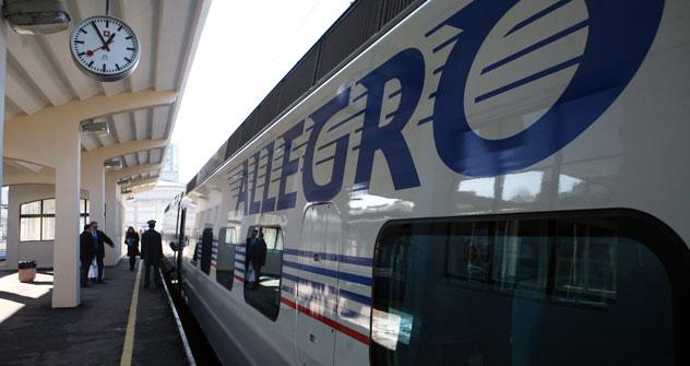 Il Pendolino Allegro di Alstom Italia ha inaugurato a dicembre 2011 l'alta velocità Helsinki-San Pietroburgo (Foto: Itar-Tass)
