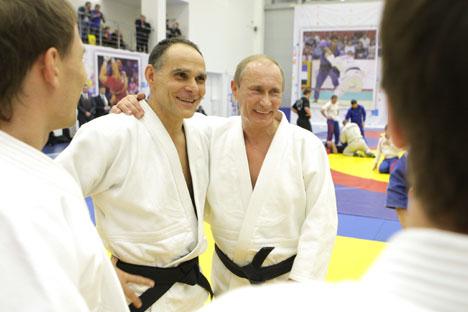 Ezio Gamba, trener ruske džudo reprezentacije i ruski predsjednik Vladimir Putin, nositelj crnog pojasa u džudu. Foto: RIA Novosti.